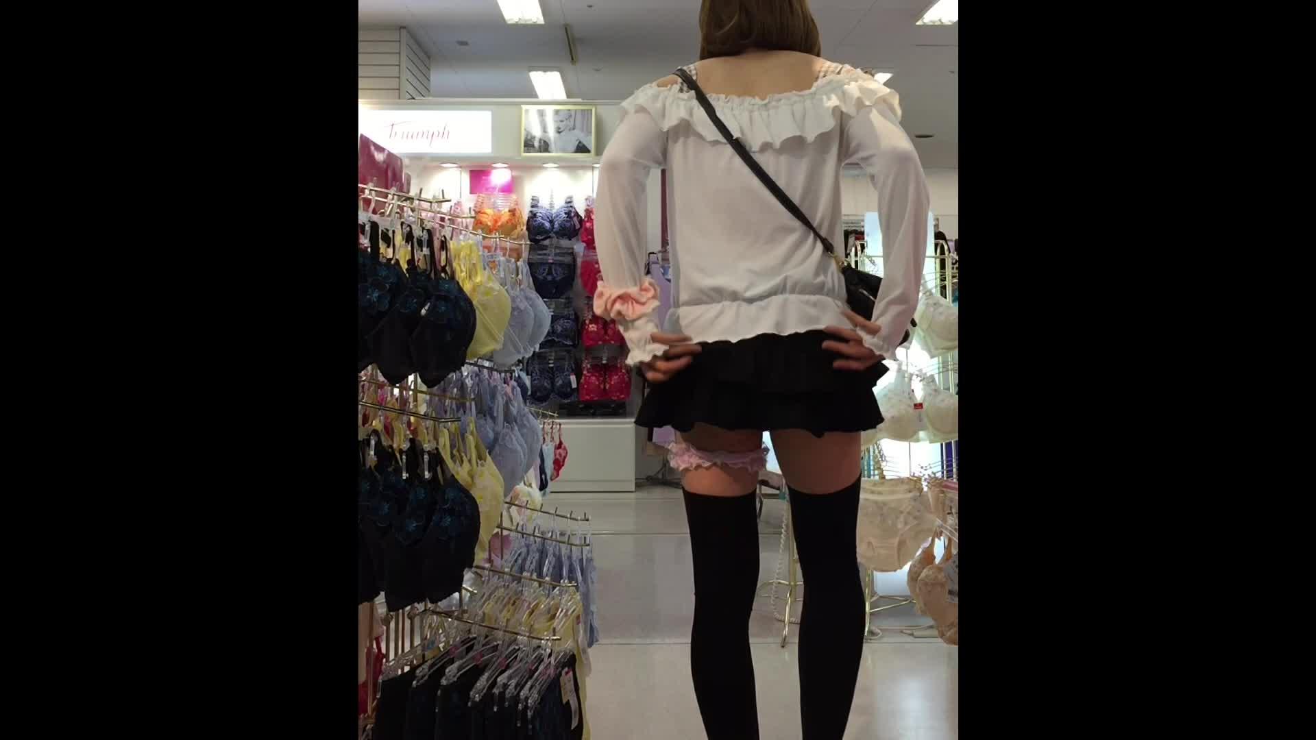 男の娘無修正動画 女装姿で下着売り場を俳諧